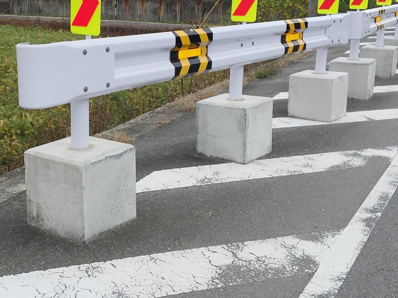 ガードレール用基礎ブロック